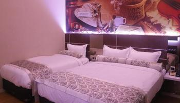 Malang City Boulevard Homestay Klojen - Luxury Triple Room Only Regular Plan