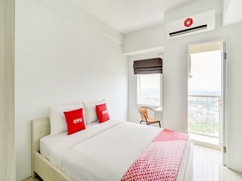 OYO Flagship 3837 Tamansari Mahogany Karawang - Deluxe Double Room Regular Plan