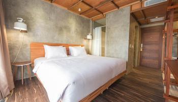 Greenhost Hotel Jogja - Artist Design Room - Room Only Best Deal