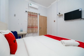 RedDoorz Syariah near Jalan Pangeran Antasari Lampung 3 Bandar Lampung - RedDoorz Twin Room with Breakfast Regular Plan