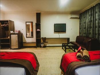 RedDoorz Plus near Jambi Prima Mall Jambi - RedDoorz Premium Room Last Minute Deal