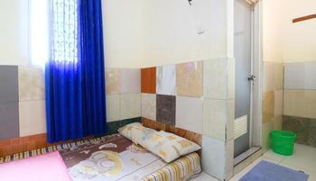 Griya Hotel Syariah Tangerang - Standard AC Hot Water Minimum Stay