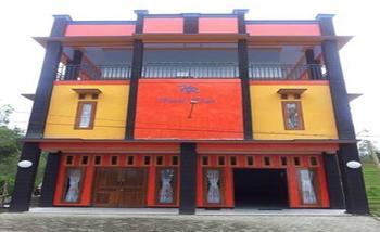 Hotel Huni Raya Bromo