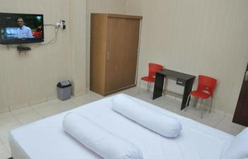 Lingga Inn Penginapan Keluarga Medan - Superior Room Promo Long Stay! Min Stay 3 Night
