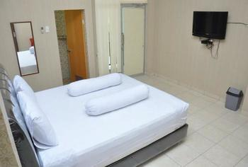 Lingga Inn Penginapan Keluarga Medan - Deluxe Room Promo Long Stay! Min Stay 3 Night
