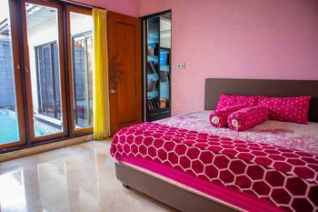 Villa Flamboyan Yogyakarta - Homestay 3 Bedroom Regular Plan