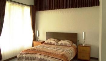 Avina Lembang Bandung - Azalea VIP Room Regular Plan