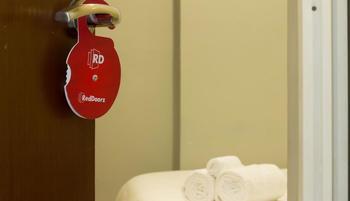 RedDoorz @Petojo Jakarta - Reddoorz Room Special Promo Gajian
