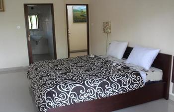 Alit Bungalows Ubud Bali - Superior Room with Pool Side View Room Only Regular Plan