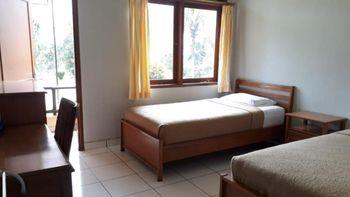 GRHA KASIH Hotel & Villa Bogor - Deluxe Twin Room Only Regular Plan