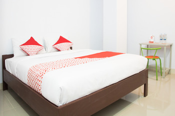 OYO 791 Tanah Tinggi Guest House Ambon - Deluxe Double Room Regular Plan