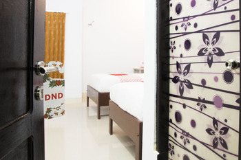 OYO 791 Tanah Tinggi Guest House Ambon -  Standard Twin Room Regular Plan