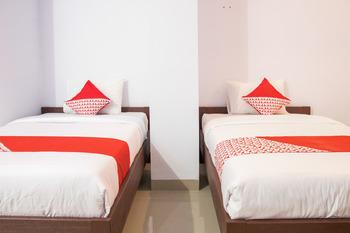 OYO 791 Tanah Tinggi Guest House Ambon -  Deluxe Twin Room Regular Plan