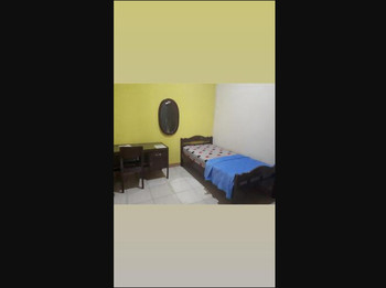 Sakinah Homey Surabaya - Kamar Single Kipas Regular Plan