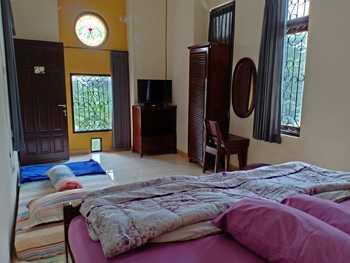 Sakinah Homey Surabaya - Kamar deluxe Regular Plan