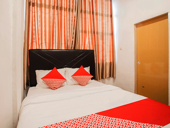 OYO 2720 Sutomo Inn Medan -  Standard Double Room Regular Plan