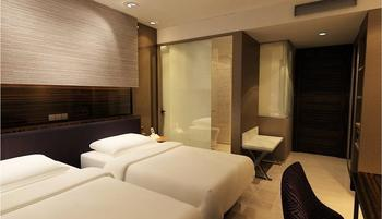 Hotel Santika Premiere Hayam Wuruk - Deluxe Room Twin Offer Last Minute Deal