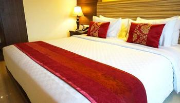 Sapphire Sky Hotel BSD - Junior Suite Room With Breakfast Regular Plan