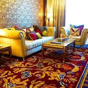 Sapphire Sky Hotel BSD - Royal Suite Room With Breakfast Regular Plan