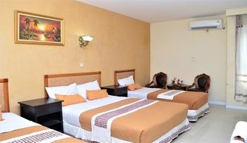 Hotel Mataram 2 Malioboro Yogyakarta - Big Family Room Only 1 Double Bed 2 Single Bed Regular Plan