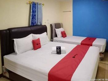 RedDoorz @ Jalan Japaris Medan Medan - RedDoorz Family Room KETUPAT