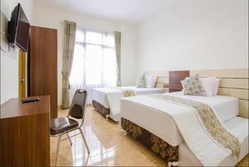 Shakila Guest House Malang - Family Room Regular Plan