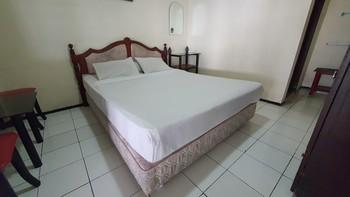 OYO 90132 Lie Mas Hotel Pasuruan - Suite Double Last Minute