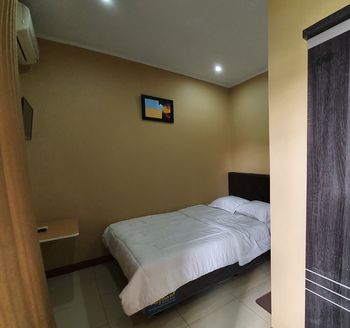 The Green Raff's Residence Tangerang - Standard Single Room Regular Plan