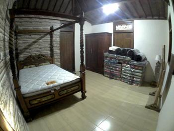 Rumah Jamu Karang Kedemple Homestay Semarang - Joglo Double Bed Room Regular Plan