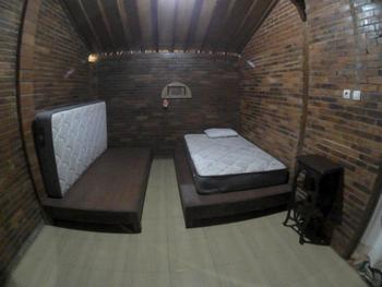 Rumah Jamu Karang Kedemple Homestay Semarang - Limasan Twin Bed Room Regular Plan