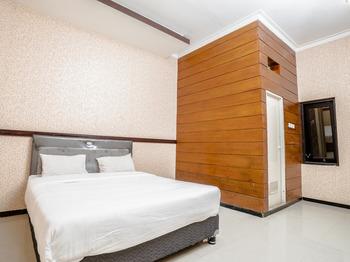 Bunga Matahari Guest House And Hotel Malang - Standard Double Room Regular Plan