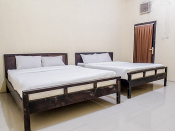 Bunga Matahari Guest House And Hotel Malang - Suite Double Regular Plan