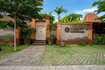 Moson Resort & Restaurant Legian