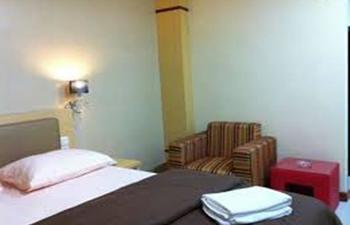 Hotel Venus Kendari - Deluxe Room Regular Plan