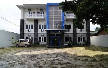RedDoorz near Museum Keraton Surakarta