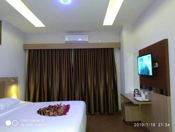 Grand Bunda Hotel Syariah Bukittinggi - Deluxe Room Regular Plan