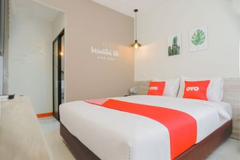 OYO 281 Hotelo Jakarta - Deluxe Double Room Regular Plan