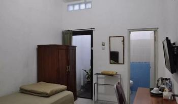 Nisa Home Syariah Homestay Surabaya - Kamar Standard Regular Plan