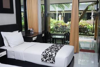 Luminor Hotel Jember Jember - Superior Room Only Regular Plan