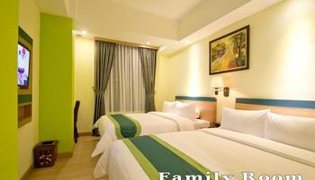 Green Batara Hotel Bandung - Family Room With Breakfast Regular Plan