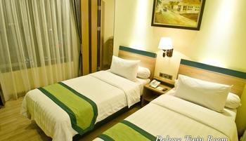 Green Batara Hotel Bandung - Deluxe Twin Room Only Longstay Deals!
