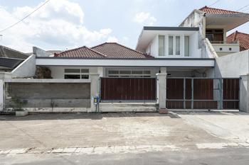 KoolKost Syariah near Universitas Merdeka Malang