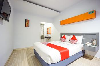 OYO 955 Hotel Boulevard Manado - Standard Double Room Regular Plan