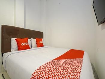 OYO 2067 Fedith Kost Syariah Palembang - Standard Double Room Regular Plan