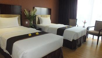 Hotel Narita  Tangerang - Deluxe Room with Breakfast HOME RESIDENT,2 Tempat Tidur Twin Regular Plan