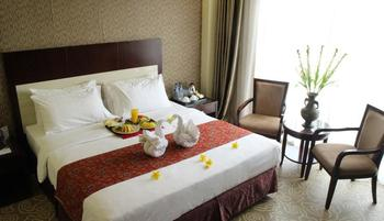 Hotel Narita  Tangerang - Suite Room With Breakfast Home Resident Regular Plan
