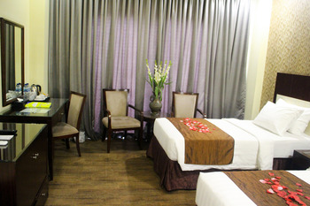 Hotel Narita  Tangerang - Deluxe Twin Room Only Regular Plan