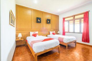 OYO 1214 My Lagusa Sukabumi - Deluxe Twin Room Regular Plan