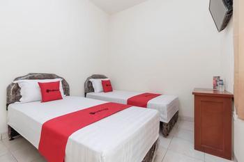 RedDoorz @ Daan Mogot Jakarta Jakarta - RedDoorz Twin Room Regular Plan