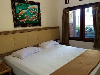 Oka Homestay Lombok - Deluxe Double Room Only FC Min 2 Nights 34%